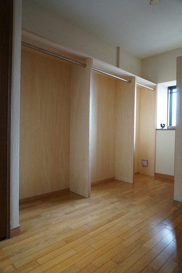 居室の方もたっぷり収納を増やしました