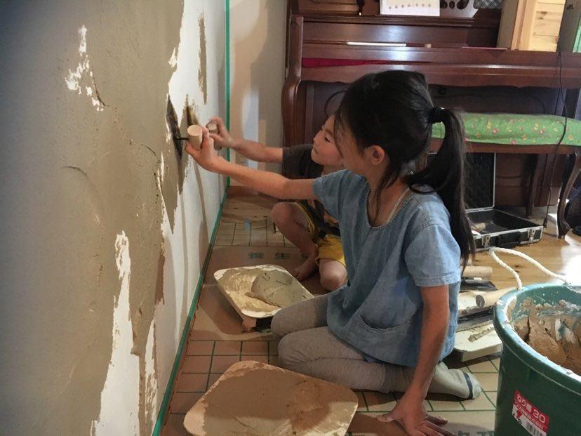 前回の壁塗り体験の様子