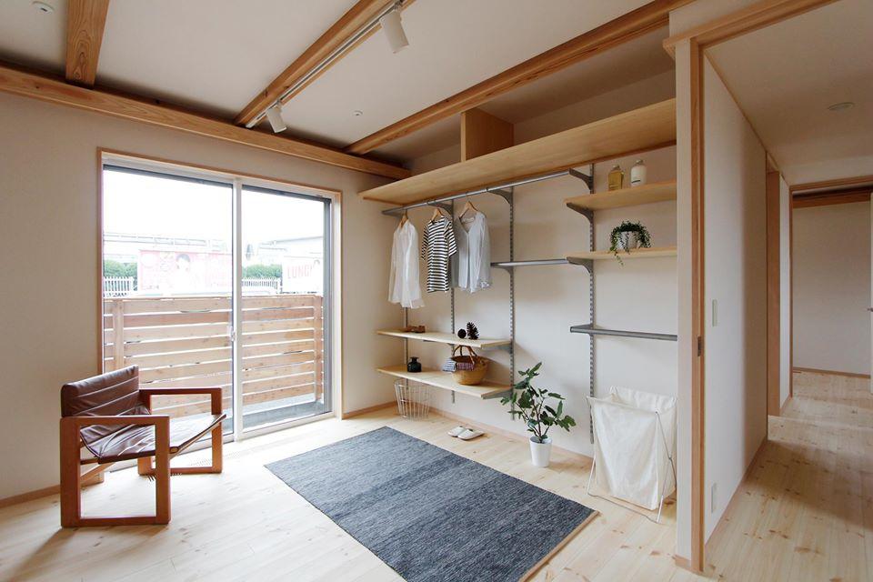 こちらは参考までにー別のお宅の寝室です