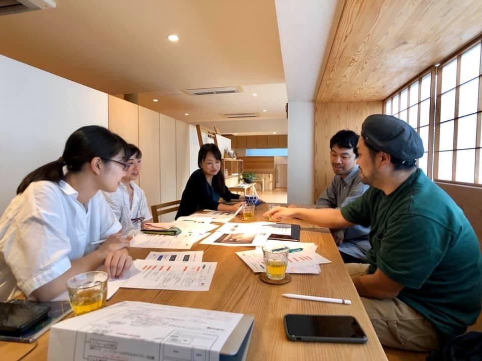 制作していただいた、中村哲也さん(右手前)と榊原彰さん(右奥)