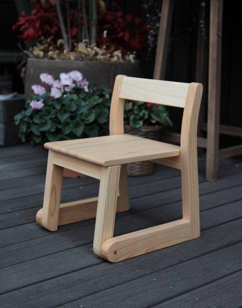 園児の椅子