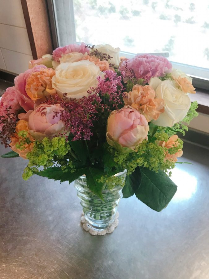 誕生日の朝に届いた素敵な花束です。