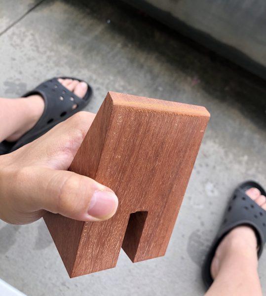 木製スマホスタンドを贈ったお話