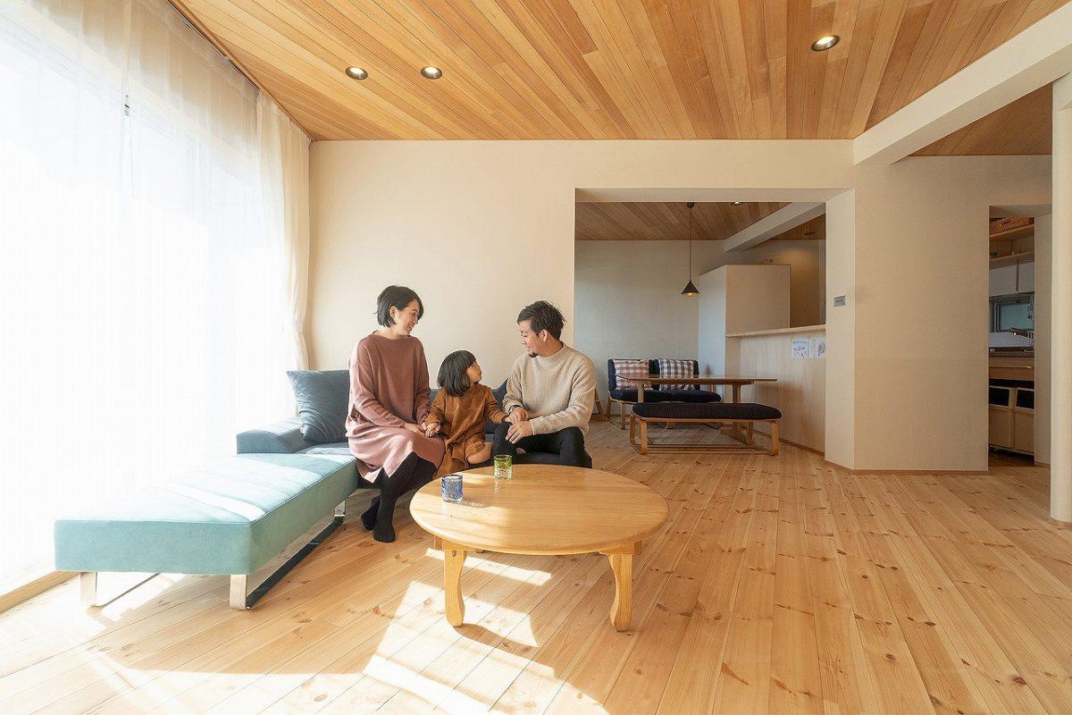 名古屋のフランネルソファでオーダーしたソファが空間にマッチ。