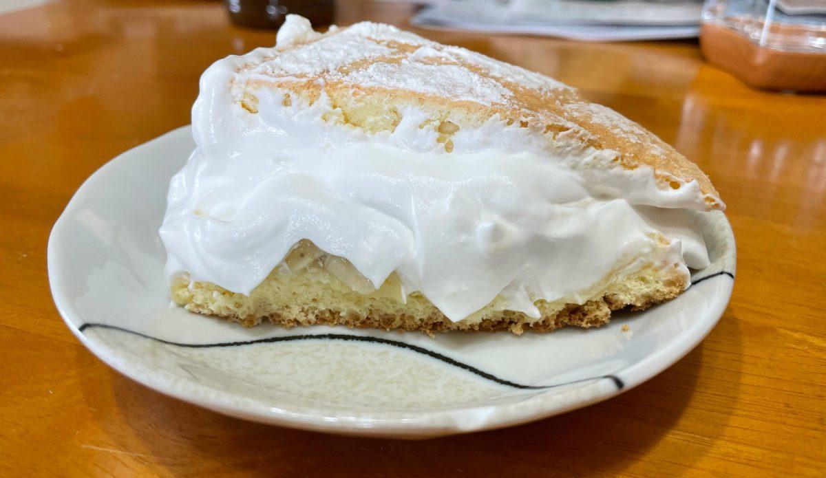 おうち時間でケーキ作り。生クリーム大噴火!!
