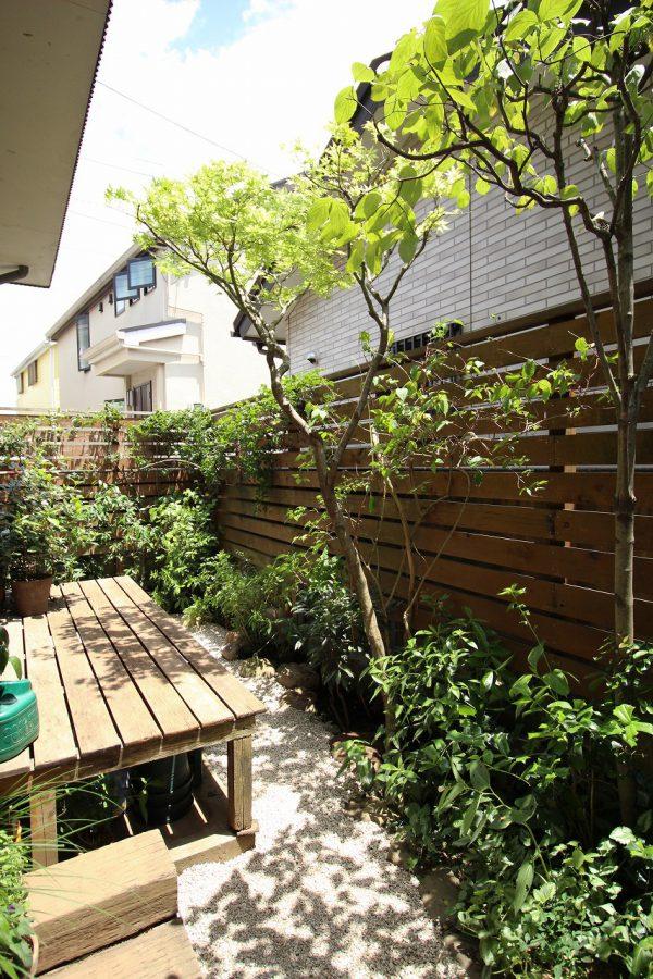 改修後、お庭全体の様子。雨が楽しみです。