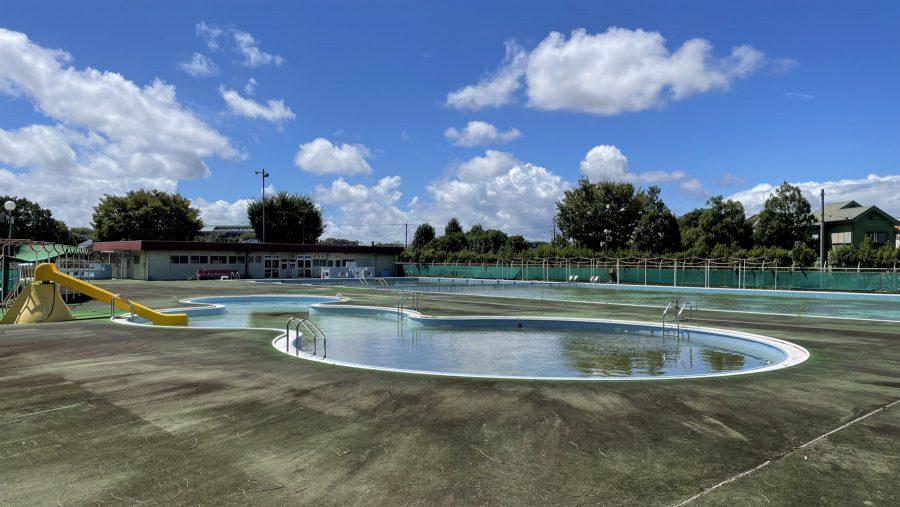 当時から全く変わらない運動公園プール